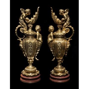 Антикварная пара дворцовых кувшинов Венера