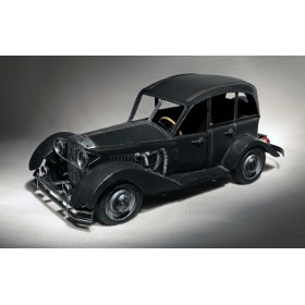 Антикварная игрушка Mercedes-Benz.