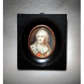 Старинный миниатюрный портрет Екатерины II.
