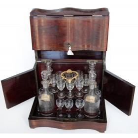 Антикварный переносной набор для наливок. Англия, XIX век.