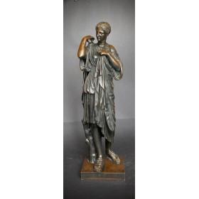 Бронзовая скульптура греческой богини