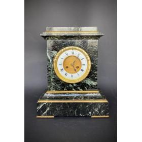 Французские каминные часы из зеленого мрамора