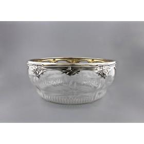 Антикварная стеклянная ваза в серебряной оправе