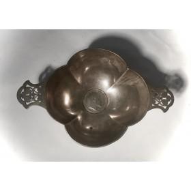 Серебряная вазочка с медалью Эдуарда VII