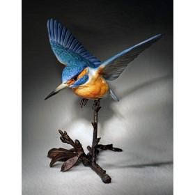Фарфоровая статуэтка Полет зимородка