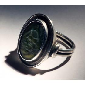 Антикварное кольцо Medium jade