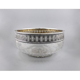 Большая ваза в серебряной оправе