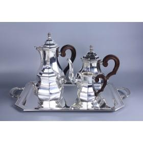 Красивый массивный серебряный чайно-кофейных сервиз на подносе