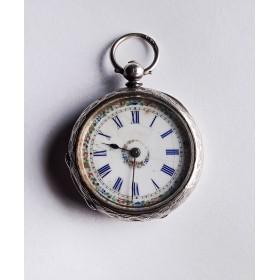 Карманные женские часы из серебра начала XX века