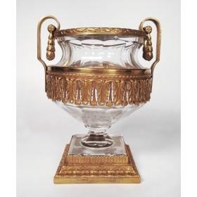 Стеклянные вазы в стиле ампир