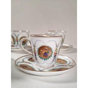 Антикварный фарфоровый чайный сервиз
