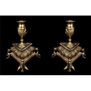 Пара старинных бронзовых подсвечников со скрытой масонской символикой